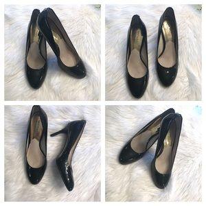 ❤️GORGEOUS Michael Kors black Patton leather heels